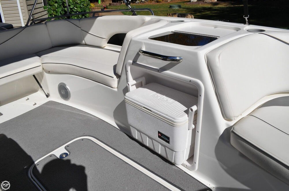 2011 Bayliner 217 SD Deck Boat - Photo #9