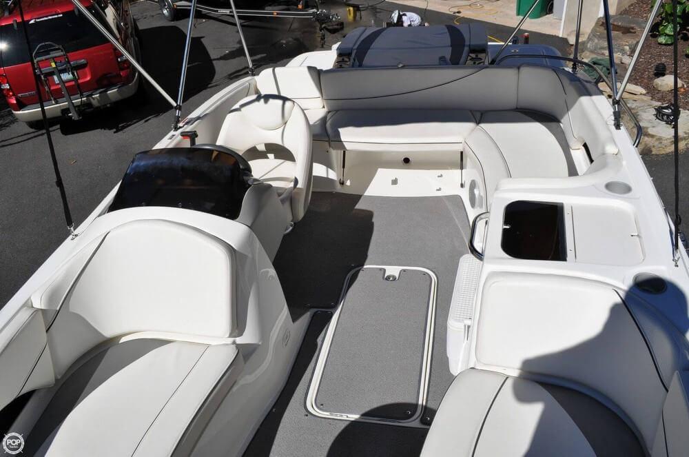 2011 Bayliner 217 SD Deck Boat - Photo #10