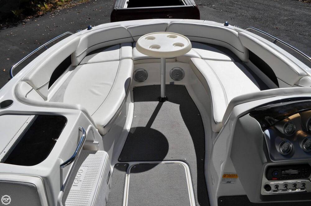 2011 Bayliner 217 SD Deck Boat - Photo #11