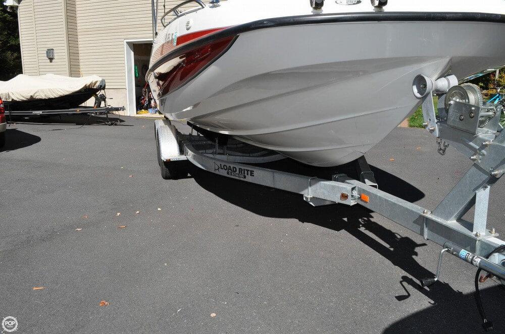 2011 Bayliner 217 SD Deck Boat - Photo #17