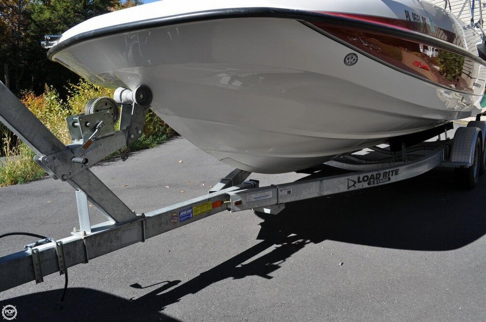 2011 Bayliner 217 SD Deck Boat - Photo #18
