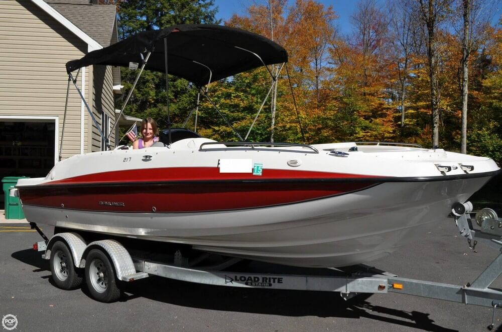 2011 Bayliner 217 SD Deck Boat - Photo #5