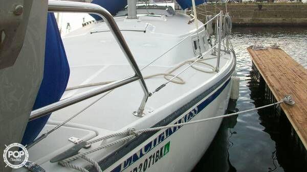 1986 Newport 30 Mark II - Photo #5