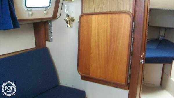 1986 Newport 30 Mark II - Photo #14