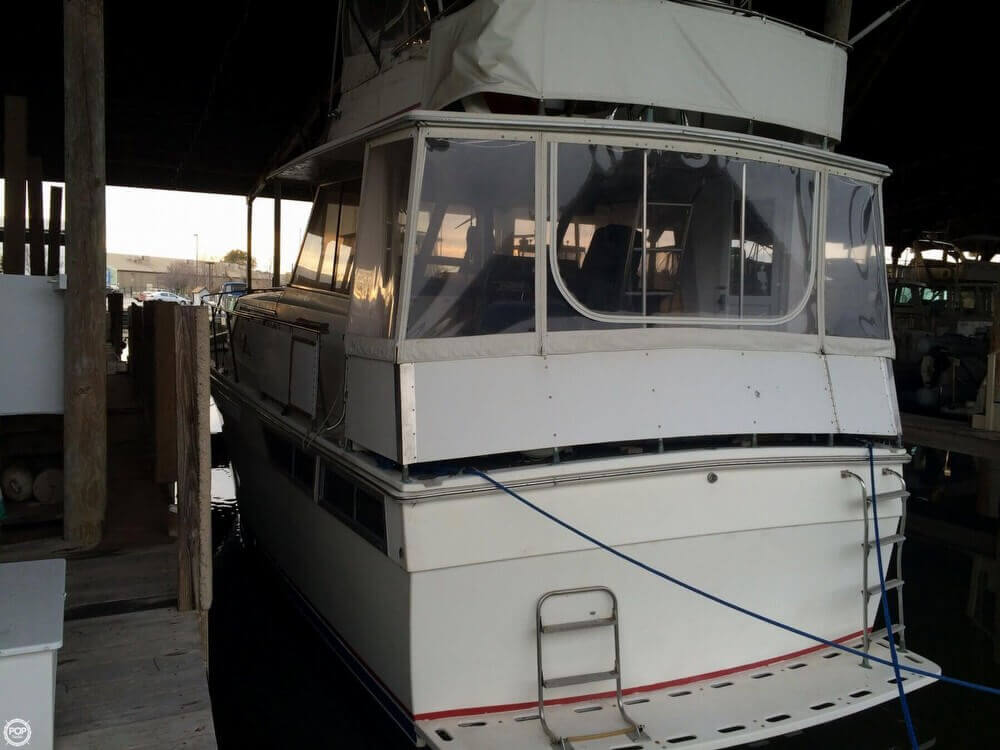 1979 Pacemaker 40 Aft Cabin - Photo #11