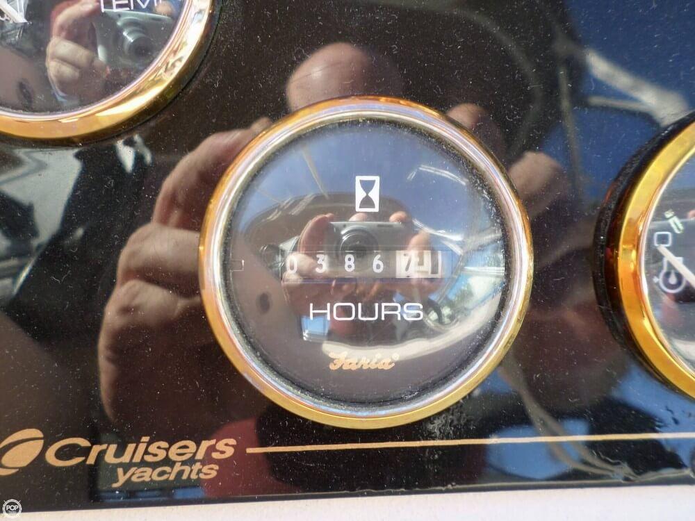 2001 Cruisers 3075 Express - Photo #35