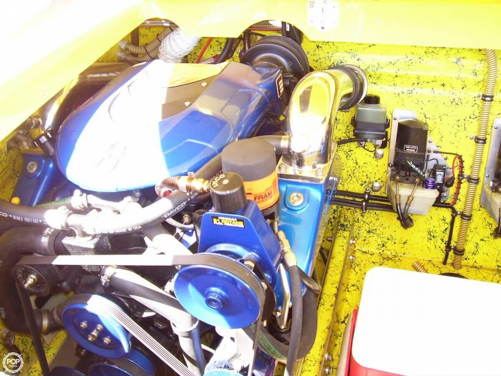 2004 Offshore 29 Cat - Photo #8