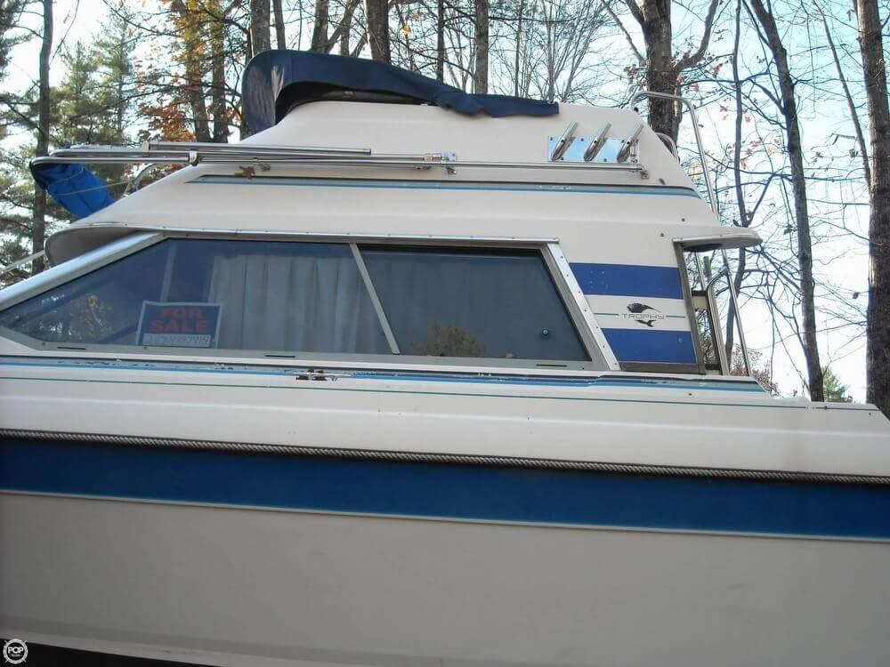 1988 Bayliner 2560 Convertible - Photo #6