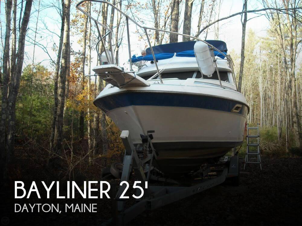 1988 Bayliner 2560 Convertible - Photo #1