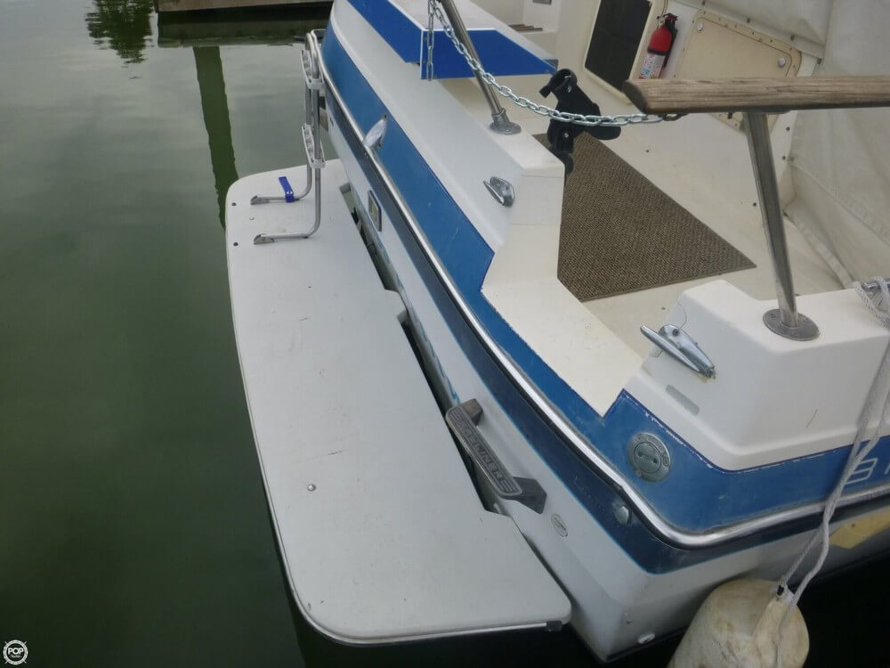 1987 Bayliner 2850 Contessa Sunbridge - Photo #21