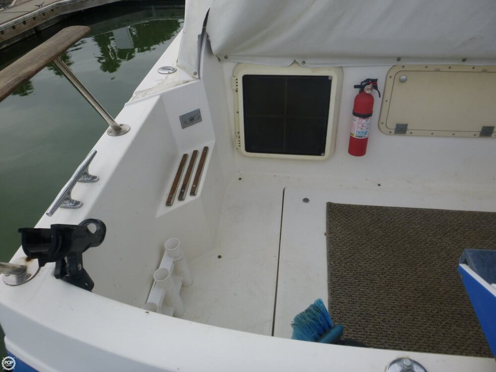 1987 Bayliner 2850 Contessa Sunbridge - Photo #29