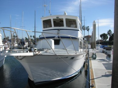 Luhrs 38 Flybridge Sedan, 38', for sale - $26,100