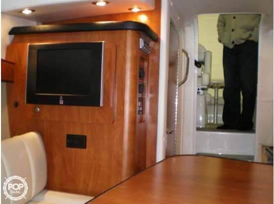 2008 Rinker 260 Express Cruiser - Photo #8