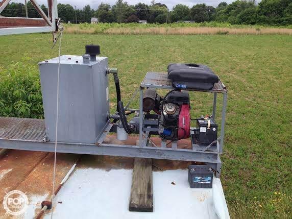 2009 Custom 30 Work Barge - Photo #6