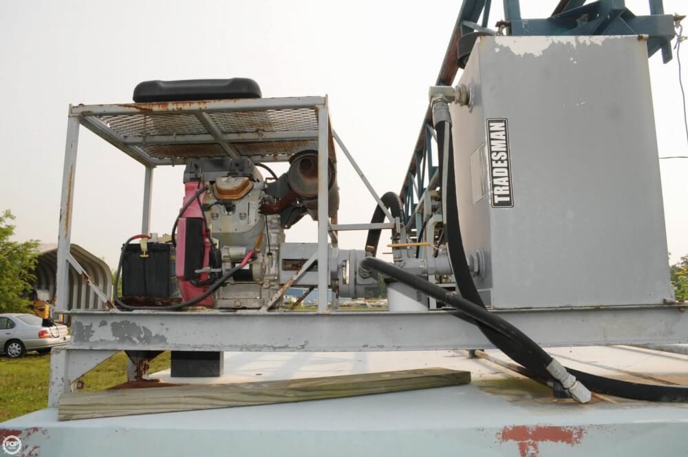 2009 Custom 30 Work Barge - Photo #15