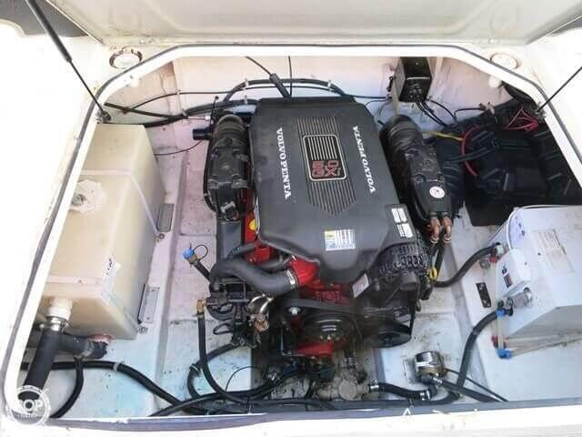 2004 Larson 240 Cabrio - Photo #8