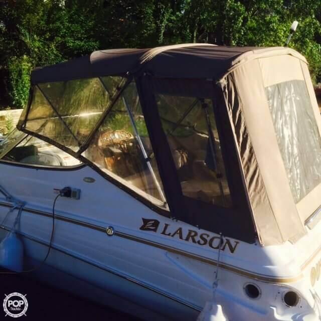 2004 Larson 240 Cabrio - Photo #10