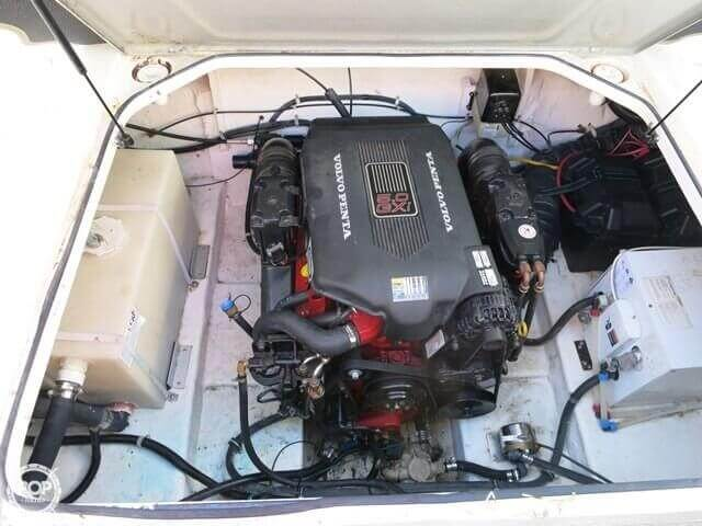 2004 Larson 240 Cabrio - Photo #13