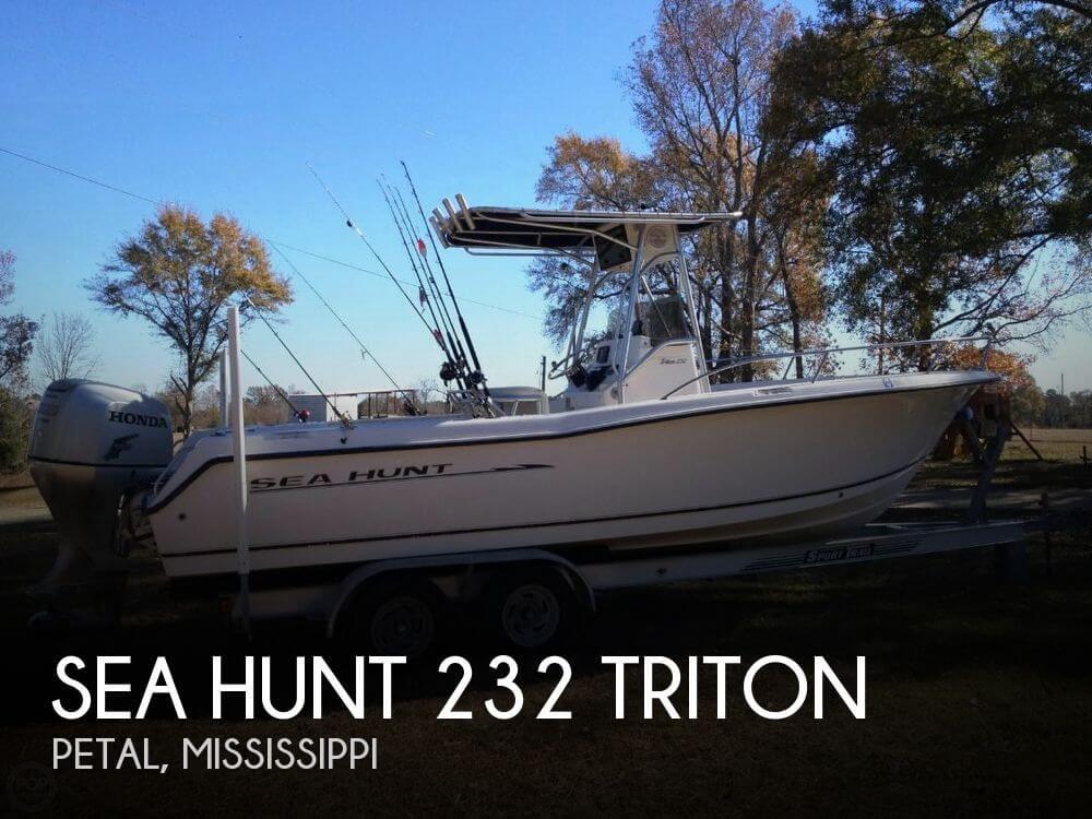 2004 Sea Hunt 232 Triton - Photo #1