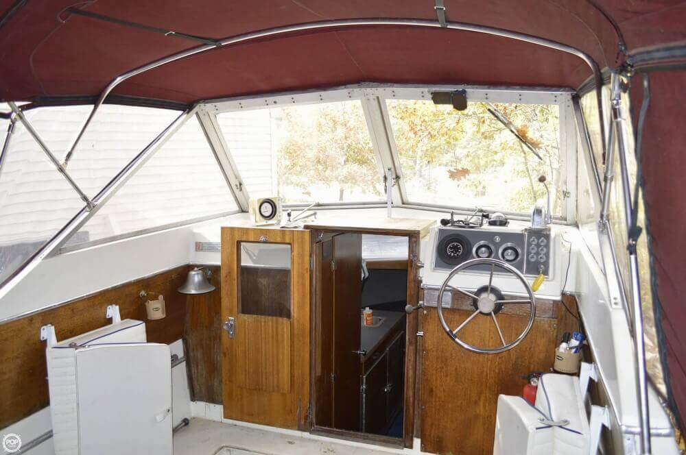 1969 Chris-Craft 27 Commander - Photo #3