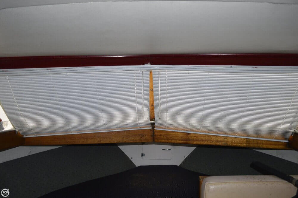 1969 Chris-Craft 27 Commander - Photo #10