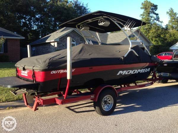 2010 Moomba Outback V - Photo #2