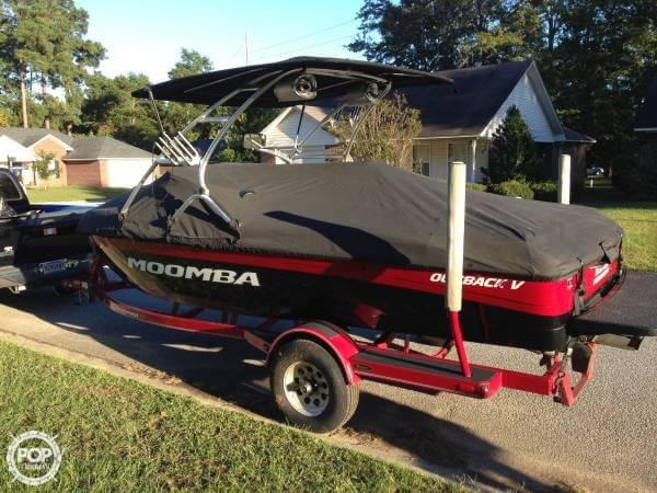 2010 Moomba Outback V - Photo #3