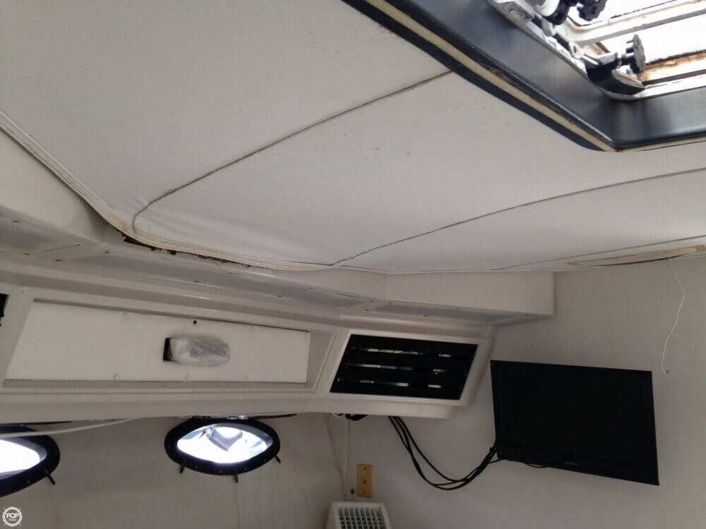 1988 Wellcraft boat for sale, model of the boat is 3400 Gran Sport & Image # 34 of 40