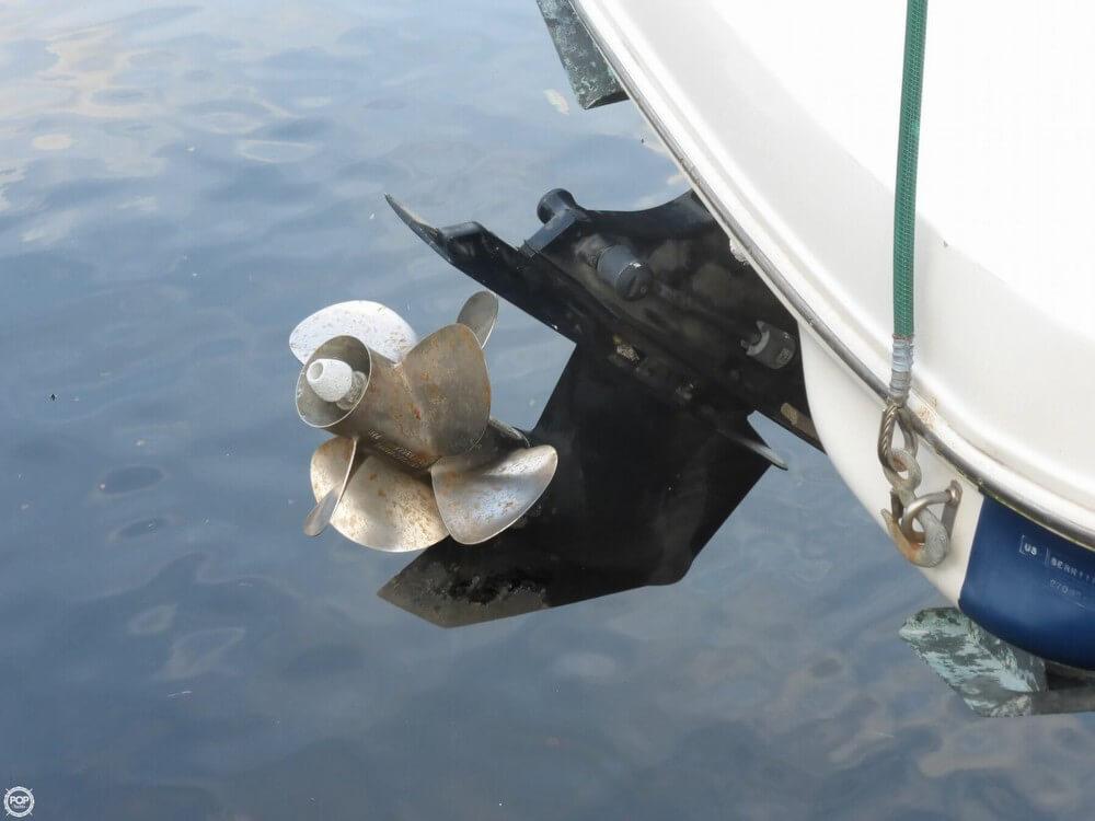 2003 Sea Ray Sundeck 270 - Photo #12