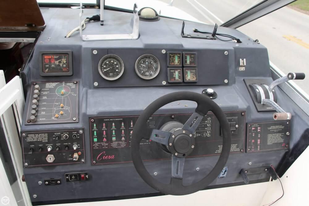 1986 Bayliner 2550 Ciera - Photo #7