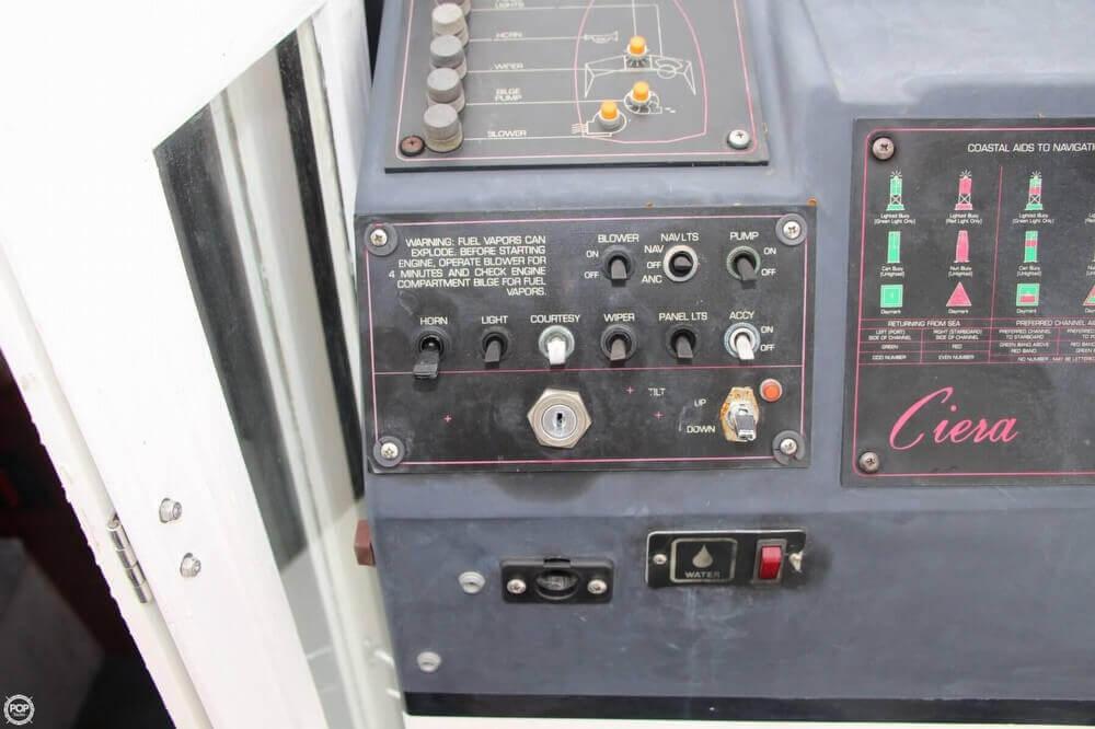 1986 Bayliner 2550 Ciera - Photo #40