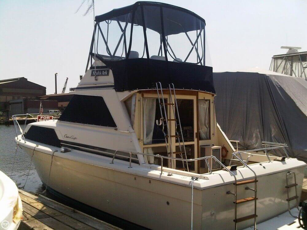 1977 Chris-Craft 36 Commander - Photo #3