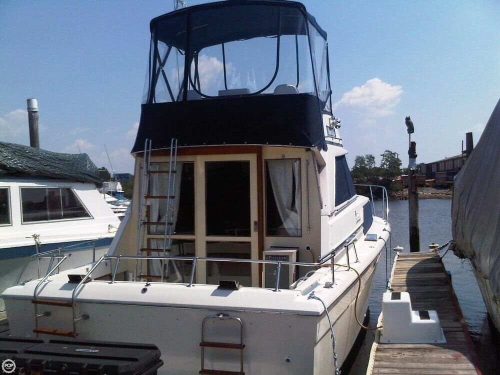 1977 Chris-Craft 36 Commander - Photo #26