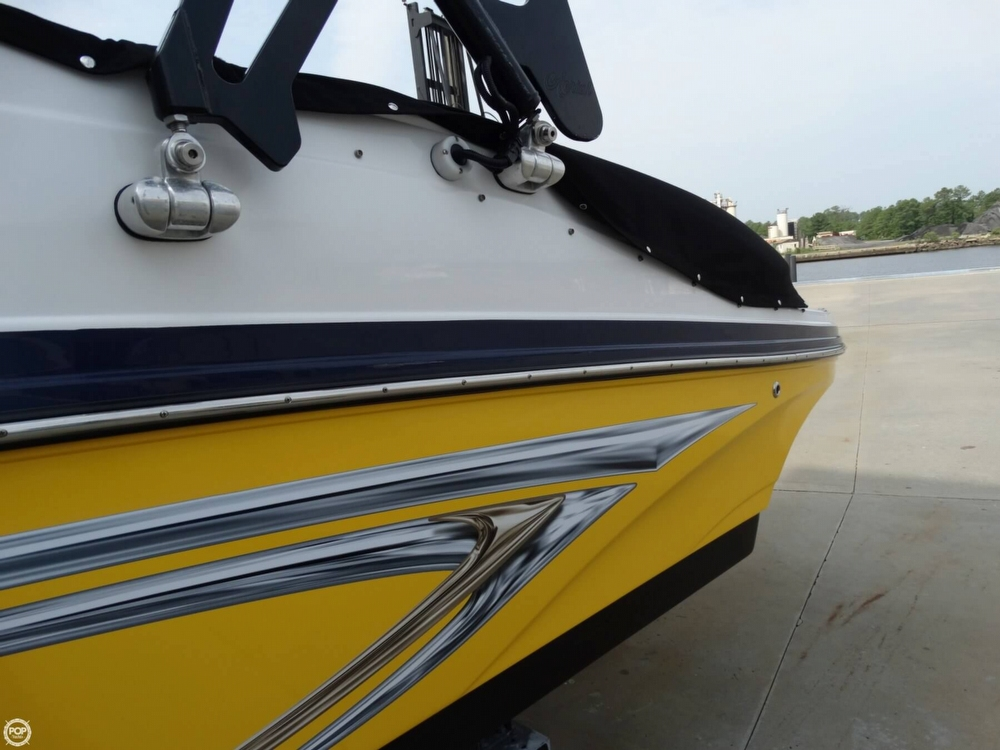 2013 Rinker Captiva 246 Overnighter - Photo #13