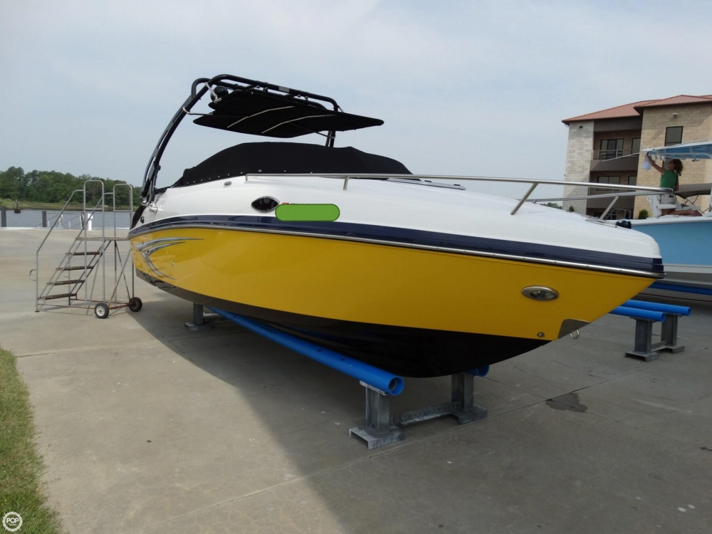 2013 Rinker Captiva 246 Overnighter - Photo #3