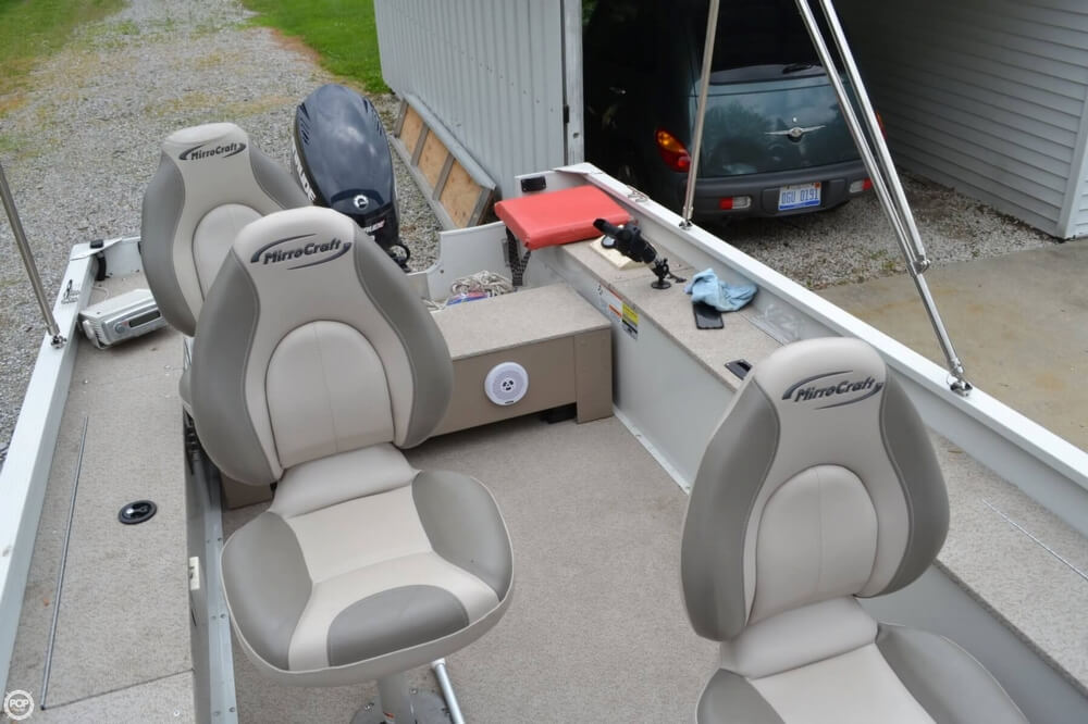 3 Seats With 4 Seat Mounts