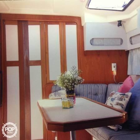 1989 Cruisers 3370 Express - Photo #5