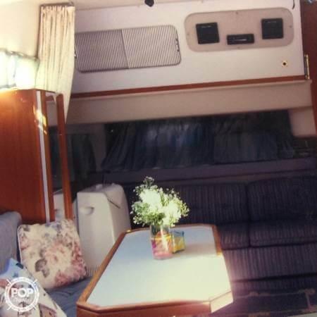 1989 Cruisers 3370 Express - Photo #6
