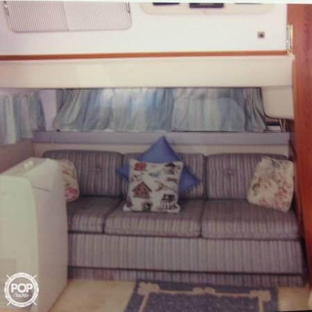 1989 Cruisers 3370 Express - Photo #9