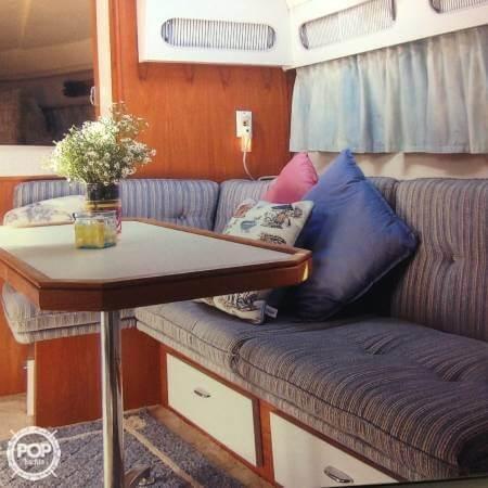 1989 Cruisers 3370 Express - Photo #10