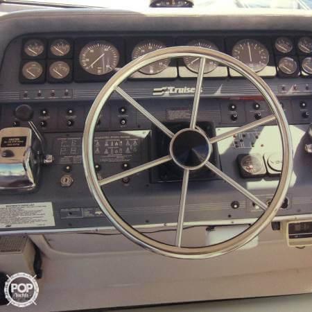 1989 Cruisers 3370 Express - Photo #13
