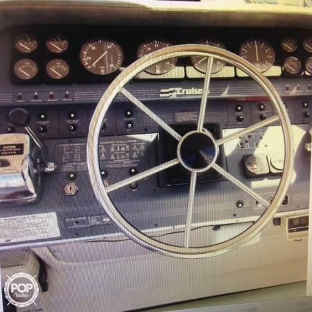1989 Cruisers 3370 Express - Photo #16