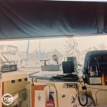 1989 Cruisers 3370 Express - Photo #20