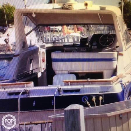 1989 Cruisers 3370 Express - Photo #24