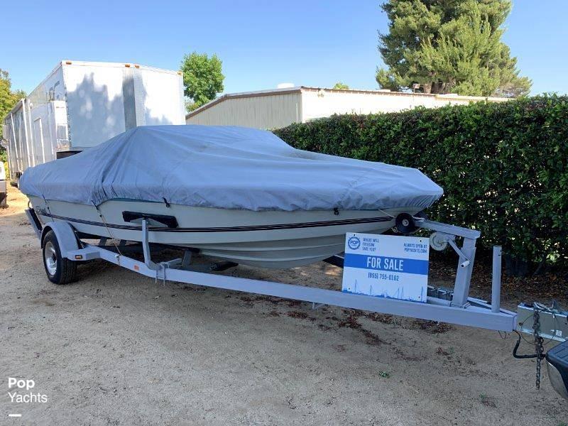 1989 Seaswirl boat for sale, model of the boat is Sierra Classic & Image # 2 of 40