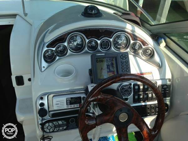 2004 Crownline 270 CR - Photo #5