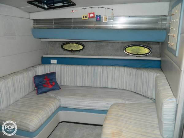 1988 Bayliner 3450 Avanti Sunbridge - Photo #9