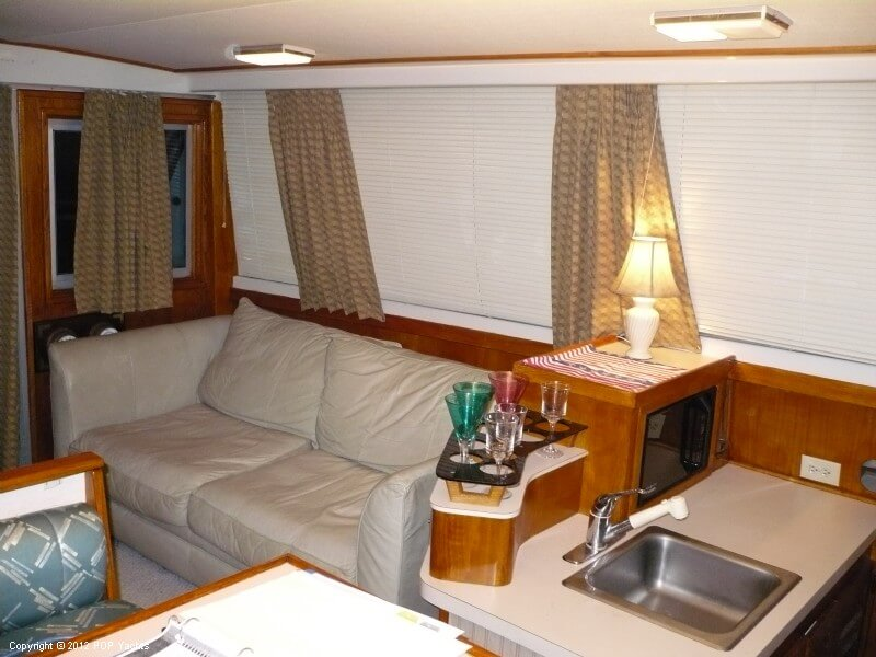 1986 Silverton boat for sale, model of the boat is 40 Convertible & Image # 9 of 40