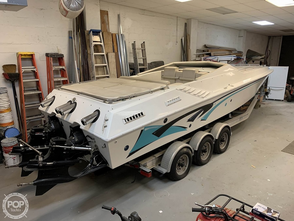 1986 Fountain boat for sale, model of the boat is 33 (10M) Executioner & Image # 6 of 40