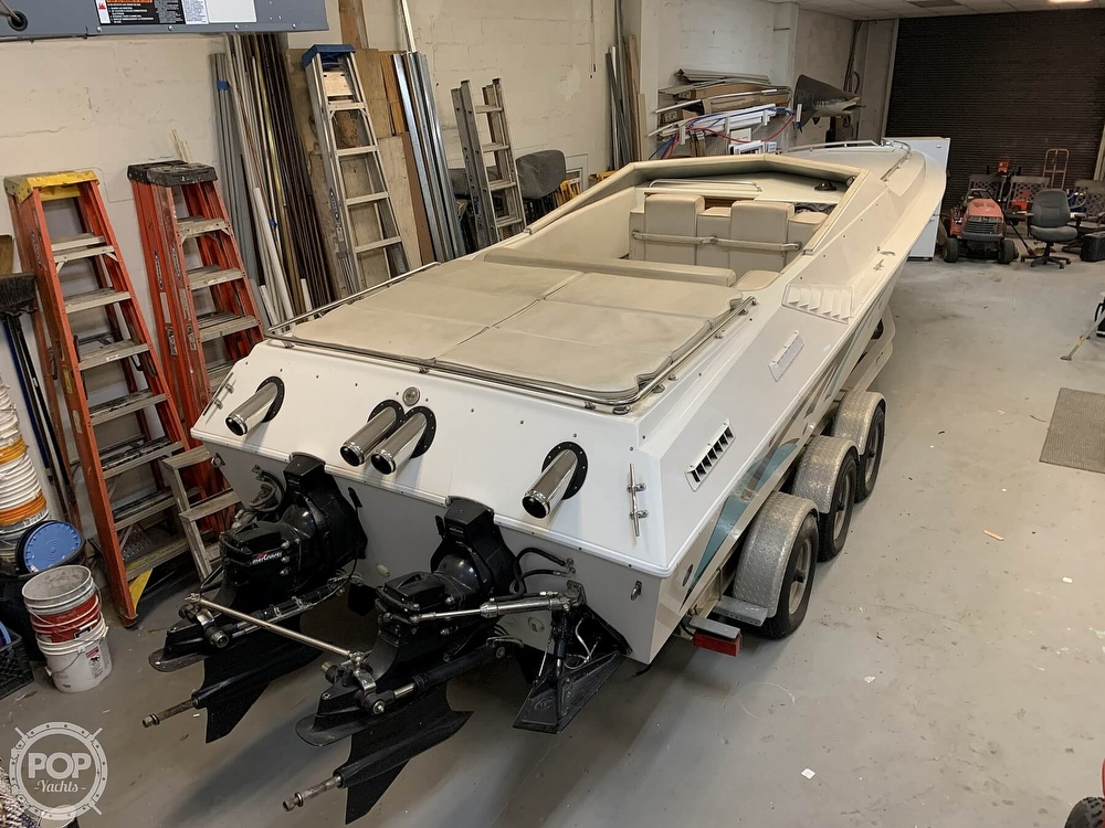1986 Fountain boat for sale, model of the boat is 33 (10M) Executioner & Image # 8 of 40